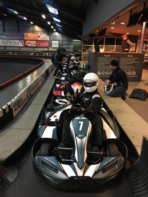 Kør tempo race i mørke